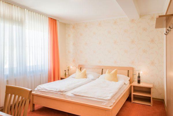 Zimmer 7 – Doppelzimmer (30m²)