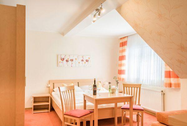 Zimmer 8 – Doppelzimmer (36m²)